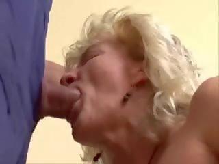 Porno old oma Granny Flash